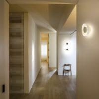 MARSET_LR_Aura-in-a-corridor-538x602